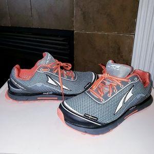 NWOT! Altra Lonepeak 2.5 Gaiter Grip Running Shoes